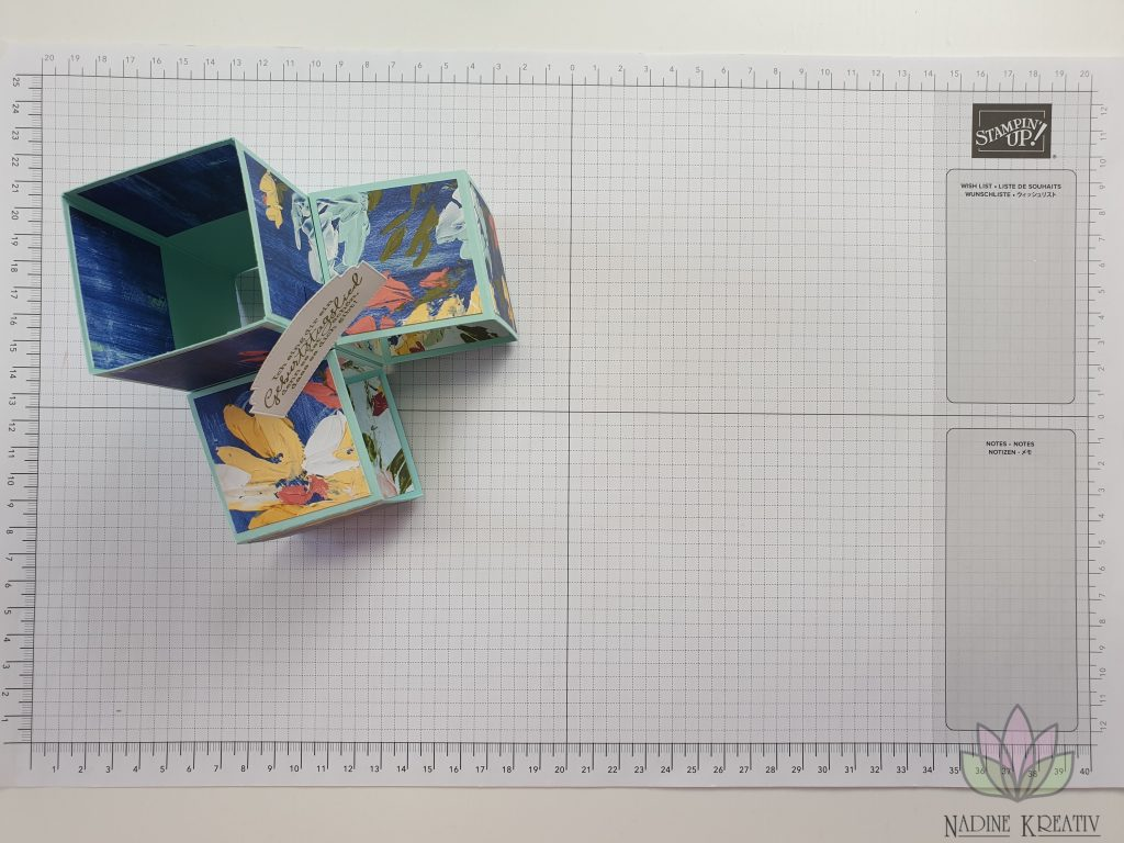 "Triple Pop-up Cube Card ""Kunstvoll Floral"" 16"